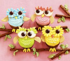 OWLS in pretty colors are very on-trend in the design world right now. We see them on patterns everywhere! So why not on cupcakes? Besides, we can't think of a decorating project that's a bigger HO...