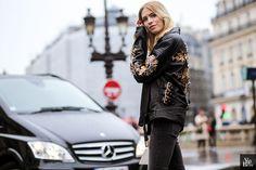 Lena Perminova streetstyle paris fashion week © Alix de Beer #french #designer #alixdebeer #photographer #streetstyle #streetlook #inspiration #lifestyle #adcampaign #mode #vogue #lenaperminova #pfw #paris #parisfashionweek