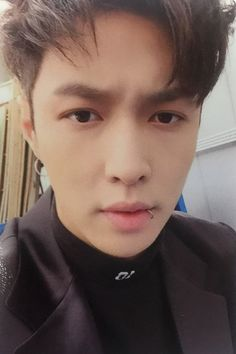 Lay - 160609 'EX'ACT' album photocard Credit: Diamond In The Rough.