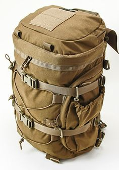 Urban Zippy (1,500 c.i./24.58 liters) - focus on scalability and accessibility makes it a good EDC bag