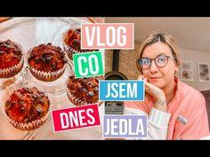 VLOG - Co jsem dnes jedla + recept na banánové muffiny - YouTube Fitness, Youtube, Youtubers, Youtube Movies