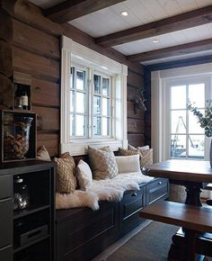 Das ist es was ich will wenn ich im Speisesaal bin Cabin Homes, Log Homes, Log Home Interiors, Cabins And Cottages, Home Remodeling, House Design, Interior Design, House Styles, Home Decor