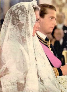King Albert II and Queen Paola of the Belgians on their wedding day, 2 July 1959 Royal Wedding Gowns, Royal Weddings, Wedding Bride, Wedding Day, Wedding Dresses, Royal Life, Royal House, Prince Albert, Casa Real