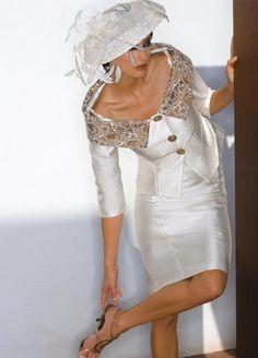 Abiti da cerimonia, abiti eleganti, alta moda italiana. : (Carinaro)