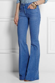Stella McCartney High-Rise Flared Jeans Woodstock Festival, Trends, Work Casual, Casual Chic, Womens Fashion For Work, Fashion Dresses, Fashion Top, Fashion Vintage, Fashion Spring