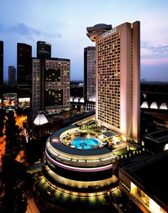 Pan Pacific hotel in Singapore by John Portman & Associates