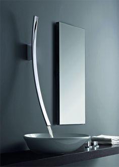 Grifería baño / grifos de baño : #grifería de pared en cromo brillo Modelo Luna de Graff Europe West #decoración #baños #grifos #baño