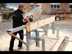 Equipos para Procesamiento de Leña. Aserraderos. - YouTube Homemade Chainsaw Mill, Homemade Bandsaw Mill, Lumber Mill, Wood Mill, Chainsaw Mill Attachment, Portable Bandsaw Mill, Chainsaw Mill Plans, Diy Log Cabin, Bandsaw Projects