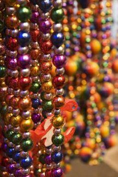 Mardi Gras Games for Children  (Bead throw)