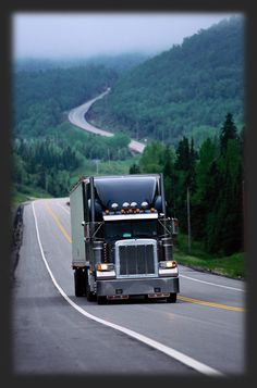 Truck Driver Training - What You Should Know Ahead Of Time - http://snydertrucking.org/truck-driver-training-what-you-should-know-ahead-of-time/