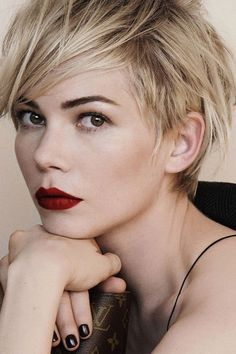 Good lord, Michelle Williams looks amazing in this photo. (michelle-williams-louis-vuitton-close-up crop) Celebrity Pixie Cut, Cool Haircuts, Cool Hairstyles, Short Haircuts, Short Feminine Haircuts, Woman Hairstyles, Beautiful Hairstyles, Pixie Hairstyles, Pixie Cut Blond