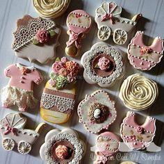 New Shabby Chic Baby Shower Cookies Beautiful Cupcakes Ideas Shabby Chic Cookies, Fancy Cookies, Iced Cookies, Cute Cookies, Royal Icing Cookies, Cookies Et Biscuits, Cupcake Cookies, Sugar Cookies, Vintage Cookies