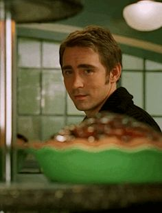 Day 2: Pushing Daisies with Lee as Ned the Piemaker. Never saw this when it was on ABC, just recently got the DVD but I can't watch it yet b/c it'll be my reward for getting through Advanced Statistics class. :) but it looks very cute, and if I like it, I'll order the second season DVD as well! So excited because it's a new fandom to look forward to! And Lee as Ned is simply darling.