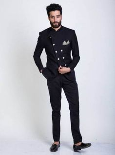 31 Indian Groom Dress Options For That Regal Look Indian Groom Dress, Wedding Dresses Men Indian, Wedding Dress Men, Wedding Suits, Male Wedding Guest Outfit, Engagement Dress For Men, Punjabi Wedding, Indian Suits, Indian Weddings