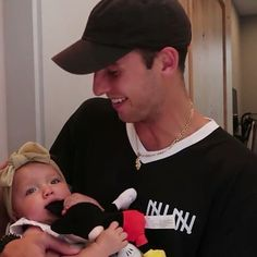 Uncle Kade is very handsome. Kade Speiser, Tatum And Oakley, Jake Paul Team 10, Cute Babies, Twins, Handsome, Baby, Rpg, Baby Humor