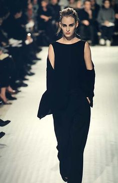 A look from the Ann Demeulemeester Spring/Summer 1998 collection.