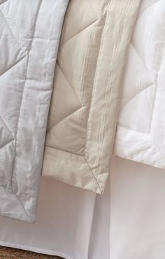 When allergies are a concern, our exclusive Elements Down-alternative Blanket is still an indulgently luxurious choice. Lighter and thinner than a comforter, it's ideal for layering.