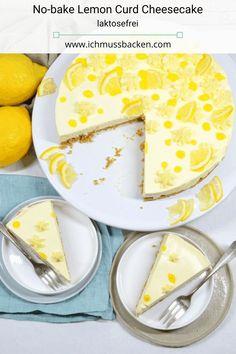 Der no-bake Lemon Curd Cheesecake ist einfach zu machen: Über einem Keksboden ist eine Frischkäse-Creme mit gekauftem Lemon Curd. Die Creme ist schnell zusammengerührt und wird ohne Gelatine fest. Einfach und lecker! #no-bake #cheesecake #rezept #einfach # süß #laktosefrei
