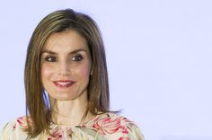 Queen Letizia of Spain Medium Straight Cut - Queen Letizia of Spain showed off a sleek straight 'do at the Iberdrola Foundation Scholarships event.