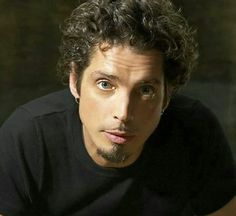 Chris Cornell. Le daría de todo, menos consejos Chris Cornell, Say Hello To Heaven, Temple Of The Dog, Audio, Cornell University, Smiling Man, Believe In God, Most Beautiful Man, Beautiful People