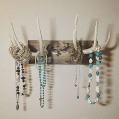 Antlers Hanging Jewelry Holder - Deer Antlers Hanging Jewelry Holder -Deer Antlers Hanging Jewelry Holder - Deer Antlers Hanging Jewelry Holder - Mounted Antler Jewelry Holder 18 Awesome Antler Decorating Ideas {# 6 and Jewellery Storage, Jewelry Organization, Jewellery Display, Necklace Storage, Deer Antler Crafts, Antler Art, Deer Decor, Rustic Decor, Antler Decorations