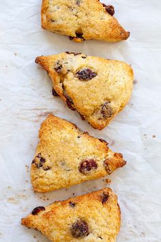 Cranberry Scones - buttery, flaky, crumbly traditional English scones with dried cranberries. This scone recipe is the best ever, fail-proof and so easy to make. Breakfast Dishes, Breakfast Recipes, Dessert Recipes, Donut Recipes, Cooking Recipes, Scone Recipes, English Scones, Cranberry Orange Scones, Brunch Items