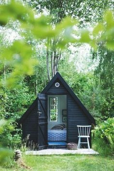 Backyard shed=reading room!