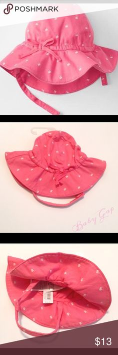 Baby Gap Pink Crown Sunhat Baby Gap pink crown sunhat, 100% cotton, features elastic band with decorative bow detailing at front. Size newborn fits up to 7lbs Baby Gap Accessories Hats