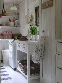 by Pia´s kesämökki Cottage Kitchens, Tuscan Kitchens, Shabby Chic Decor, Beach House, Sweet Home, Indoor, Rustic, Dining, House Styles