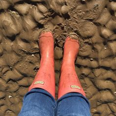It's a wellies day today here how about with you? @hunterboots #beach