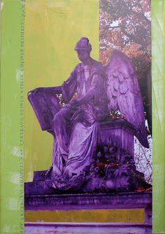 +++ Erzengel Chamuels (»Er, der Gott sieht«) Energie korrespondiert mit der Farbe Hellgrün. Chamuels Fähigkeit klar zu sehen hilft uns Dinge und verloren gegangene Dinge wiederzufinden. Er unterstützt uns eine neue Liebesbeziehung oder Freundschaften zu finden und fungiert auch als »Berufsberater«. +++ Seine Botschaft: »Vertraue deinem Wissen & deiner Weisheit!« +++ »all about angels« Erzengel Chamuel | 70 x 100 cm | Foto/Stempel/Acryl auf Leinwand | © Stefanie Marquetant 2013