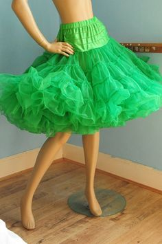 Big green vintage full circle net petticoat Medium by dgbvintage, Green Lingerie, Retro Lingerie, Vintage Dresses, Vintage Outfits, Vintage Fashion, Tutu, Latin Dance Dresses, Rockabilly Fashion, Fancy Dress