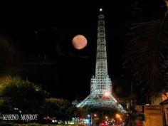 Torre del Reformador, vista nocturna