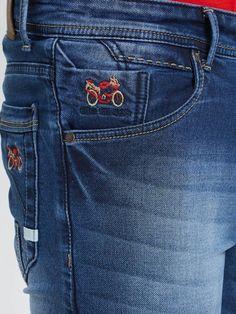 Stylish Jeans, Men Trousers, Denim Jeans Men, Mens Fashion, Trailers, Mens Boardshorts, Mens Jeans Outfit, Men's Pants, Men's Shirts