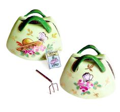 garden bag w/removable rake & seed packet *:)