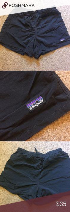 Patagonia Baggies Shorts Women's Patagonia Baggies Shorts! So cute and flattering. In great condition. Black size medium. Make an offer! Patagonia Shorts