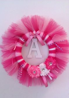 Personalized Baby Tutu Wreath for Alana! Tulle Projects, Tulle Crafts, Wreath Crafts, Diy Wreath, Baby Crafts, Fun Crafts, Baby Kranz, Festa Monster High, Tutu Wreath