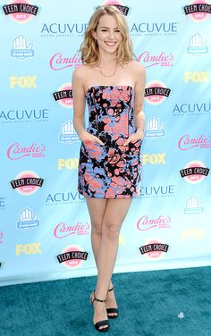 Bridgit Mendler's cute lil dress @ Teen Choice Awards '13.