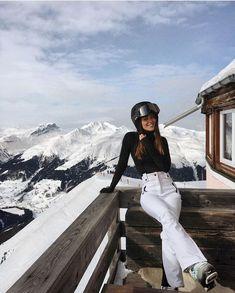 Snow Skiing Snowboarding Winter holiday – Famous Last Words Moda Ski, Ski Fashion, Winter Fashion, City Fashion, Shotting Photo, Outfit Invierno, Sport Outfit, Foto Casual, Vetement Fashion