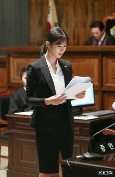 أقام الطالب مادة الوراثة رقم .......... لسنة2017 ضد المعلن إليهم لتحقيق وفاة المرحوم السيد /............ المتوفي بتاريخ ....... بناحية ..... والمدفون بها وتحدد لنظر هذا الطلب جلسه .../ ...... Dream Career, Dream Job, Dream Life, Lady Justice, Law And Justice, Korean Actresses, Korean Actors, Korean Dramas, Instyle Magazine