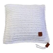 Ručně háčkovaný polštář 026 bílý 50x50 cm Converse Chuck Taylor High, Chuck Taylors High Top, High Tops, Knit Crochet, High Top Sneakers, Cushions, Knitting, Handmade, Design