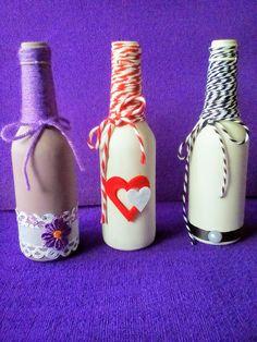 EL TALLER DE PILI  Botellas decoradas Bottle Painting, Bottles And Jars, Bottle Crafts, Crafty, Diy, Decorative Bottles, Vases, Diy And Crafts, Weddings