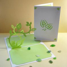 Fleur de Lotus | Carte Pop-Up - Lole y Pop | Design Papier | Origami | Kirigami | Pop-up Pop Design, Diagrammes Origami, Kirigami, Pop Up, Diy, Paper, Plants, Papercutting, Flowers