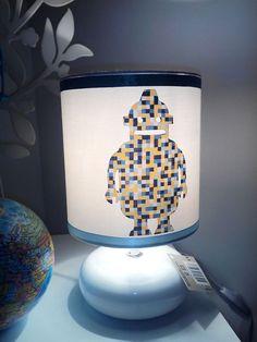 Lampe chevet ceramique enfant personnalisable prénom blanche robot satin bleu