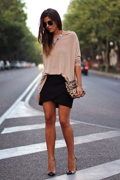 trendy_taste-oversize_sweater-look-outfit-street_style-jersey_oversize-black_skirt-