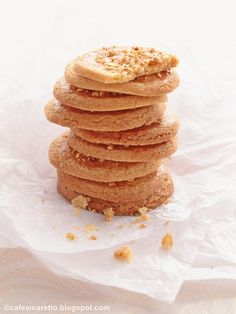 Chrupiące ciasteczka migdałowe bez jajek @ cafeamaretto