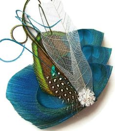 Textures and details yet still so simple! Peacock Hair Fascinator PEWTER & TEAL Perfect for a by maggpieseye, $20.00