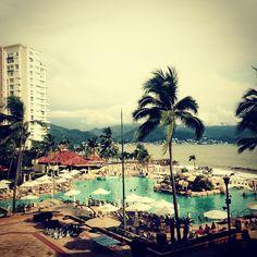 Good afternoon Puerto Vallarta!! #puertovallarta #mexico #winetime  by missrachelelizabeth
