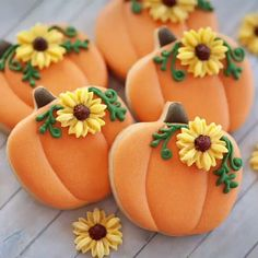 1468 Likes 13 Comments KuKZ Cookie Cutters ( on Fall Decorated Cookies, Fall Cookies, Iced Cookies, Cute Cookies, Holiday Cookies, Cookies Et Biscuits, Cupcake Cookies, Thanksgiving Cookies, Thanksgiving Ideas