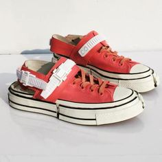Fun Facts About Shoes And Footwear Dream Shoes, Crazy Shoes, Me Too Shoes, Moda Sneakers, Slip On Sneakers, Converse All Star, Frankenstein, Sneakers Fashion, Fashion Shoes